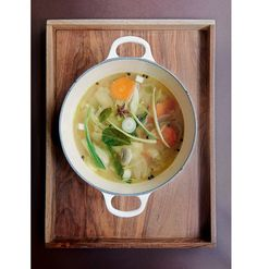 Broth was the hot secret behind the slender model figures and their sustained energy levels at Fashion Week this season, so we take a closer look at a recipe book dedicated to this fall favorite as we prepare for the winter months.
