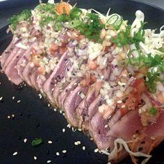 Tuna tataki!!! I really love making this dish!!!! #tataki #Ponzu #picodegallo #tuna #negi #ramen #japanesefood #foodie #truecooks #goodfood #foodart #sushiporn #foodporn #cheflife #whatwedo #kitchenlife #cheflife #nakedfishgang #thefishmovement #ramenlover #kamiramenbar #Tepic #nayarit #mexico by sous_ventura