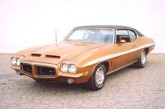 Tan 1972 GTO