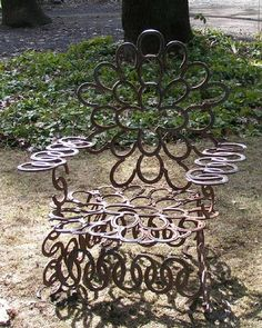 Oldironart.com chair made from horseshoes.