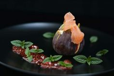 Fig and salmone, menthe honey