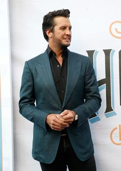 Luke Bryan Photos Photos - Singer-songwriter Luke Bryan attends the Annual ACM Honors at the Ryman Auditorium on August 2016 in Nashville, Tennessee. American Country Music Awards, Academy Of Country Music, Country Music Artists, Country Singers, Luke Bryan Family, Luke Bryan Pictures, Country Men, Blake Shelton, Hot Guys
