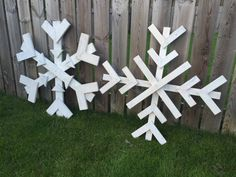 Fantastic large wooden snowflakes, add the wow factor to your Christmas with these unique rustic style snowflakes handmade from reclaimed timber. Painted white and a spot of glitter.  They can either be used to decorate your living space either wall hung or placed on the floor against a wall or used in the garden with some outside lights wrapped around them.  Due to the nature of reclaimed timber, each and every snowflake we create is unique and characterful.. Some may have markings and…