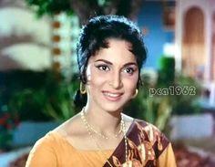 Waheeda Rehman, Madhuri Dixit Hot, Indian Film Actress, Indian Bollywood, Cinema, Celebs, Actresses, Classic, Desi