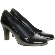 Pre-owned Patent pumps in black (€120) ❤ liked on Polyvore featuring shoes, pumps, black, patent shoes, black patent leather shoes, black pumps, black shoes and high heel shoes