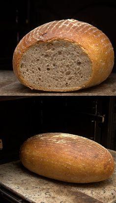 Tento chléb je vhodný pro kváskové začátečníky, tím samozřejmě nechci snižovat jeho chuť nebo kvalitu:-)). Často se k němu vracím....