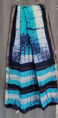 Price Rs 2145 + Shipping extra Beautiful hand block printed Maheshwari silk sarees With blouse Bridal Sarees, Designer Sarees, Sarees Online, Silk Sarees, Party Wear, Plaid Scarf, Printed, Stylish, Blouse