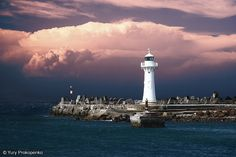Wollongong Breakwater Lighthouse, New South Wales, Australia Australian Holidays, Lighthouse Lighting, Lighthouse Keeper, Visit Australia, Cool Photos, Amazing Photos, Places To See, Beautiful Places, Simply Beautiful