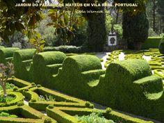 Palácio de Mateus em Vila Real,Portugal É um local muito bonito. Além do prédio principal (aberto a visitação apenas em uma parte) há a igreja, os jardins, lago e pomar. Tudo muito bem cuidado. Foto : Cida Werneck