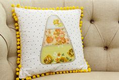 Free pattern: Candy corn applique Halloween pillow – Sewing
