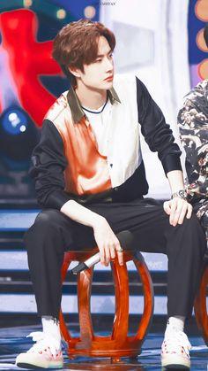Yuehua Entertainment, Yang Yang, The Grandmaster, Asian Boys, Actors & Actresses, Rapper, Handsome, Celebrities, Idol