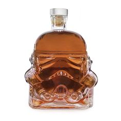 """Star Wars Stormtrooper decanter lets you drink to the dark side. Honor Darth Vader's unappreciated soldiers with this glass decanter in the shape of the Stormtrooper helmet from the original 1977 """"Star Wars"""" film. Cocina Star Wars, Taza Star Wars, Stormtroopers, Cadeau Star Wars, Star Wars Stormtrooper, Darth Vader, Star Wars Kitchen, Flint Glass, Whiskey Decanter"""