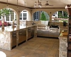 outdoor kitchen with built in appliances