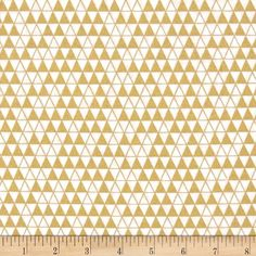 Bold & Gold Metallic Triangle Grid White from @fabricdotcom  For Windham Fabrics, this cotton print fabric is perfect for quilting, apparel and home decor accents. Colors include white and accents of metallic gold.