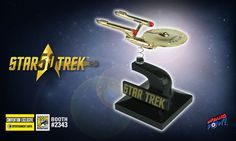 Action Figure Insider » 24K Gold-Plated U.S.S. Enterprise Bobbles to San Diego Comic-Con 2016 in Style