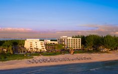Here, we map out two full days in Sarasota, Florida – one spent exclusively on-property at Zota Beach Resort; the next, a full day in town. Lido Beach Resort, Longboat Key Club, Sarasota Florida, Us Map, Day Off, Beach Resorts, Opal, Wedding, Casamento