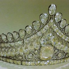 CLOSEUP: RUSSIAN NUPTIAL TIARA  ~the diamonds are magnificent!