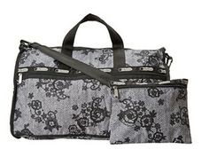 LeSportsac Large Weekender - Just one of more stylish overnight and weekender bags! #overnightbags #weekender #travelbags