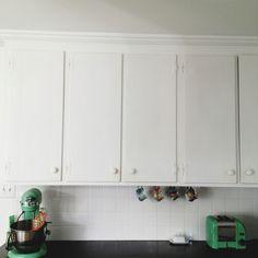 black and white kitchen. #turquoise kitchen appliances