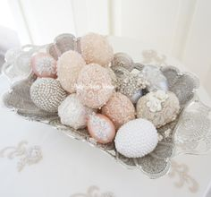 Sofreh aghd - The sofreh aghd is a traditional wedding ceremony spread where… Iranian Wedding, Persian Wedding, Wedding Groom, Wedding Gifts, Easter Egg Crafts, Easter Eggs, 2 Eggs, Easter Decor, Easter Ideas