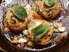 Tomaten-Minze-Frikadellen ist ein Rezept mit frischen Zutaten aus der Kategorie Fruchtgemüse. Probieren Sie dieses und weitere Rezepte von EAT SMARTER!