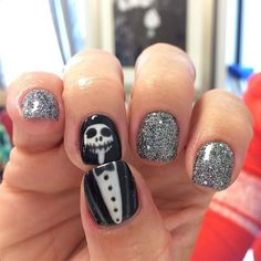A Jack Skellington design is a great choice of nail art for Halloween this year.