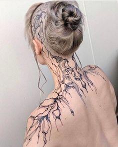 Symmetrical neck and shoulder piece ____________________… Tattoo Girls, Girl Back Tattoos, Head Tattoos, Body Art Tattoos, Tatoos, Tattoo Artwork, Tatoo Art, Symmetrical Tattoo, Piercings