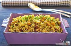 Si quieres preparar un arroz aromático y sabroso para acompañar una carne o un pescado, prueba con este Arroz pilaf con almendras, anacardos y uvas pasas. Es muy fácil de hacer y está delicioso, por lo que es fácil que te guste incluso para comerlo solo, como entrante o acompañado de algunas verduras a la parrilla.