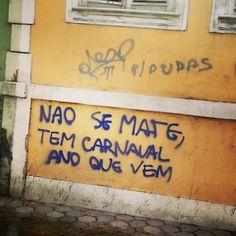 #Repost @renan_scramos ・・・ Botafogo, Rio de Janeiro, RJ. #olheosmuros #artederua #arteurbana #rj #botafogo #pixo #carnaval #streetart http://ift.tt/2lQrOL2