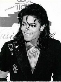 Um novo capítulo na morte de Michael Jackson - http://colunas.revistaepoca.globo.com/brunoastuto/2013/03/06/um-novo-capitulo-na-morte-de-michael-jackson/ (Foto: Reprodução)