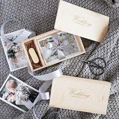 Короб для флешки и фото 10х15 по 500р с гравировкой лого. #упаковкафотографа #коробдляфото #woodbox #usbbox Photographer Packaging, Usb Packaging, Usb Box, Bridesmaids, Photographers, Gift Wrapping, Gifts, Wedding, Design