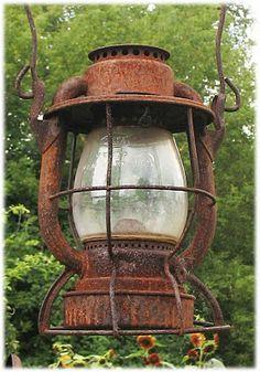 Trinket's Vintage Treasures: ~More Rusty Stuff~