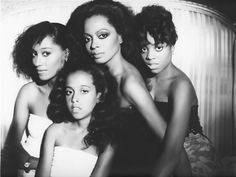 miss ross & her daughters.. Love. If I'm blessed with a bunch of gals I will copy this pic <3