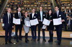 """Der """"Innovation Award 2016"""" geht an die RWTH-Projekte """"4D Textil – Additive Fertigung hybrider Werkstoffe für zeitlich formveränderliche Anwendungen"""", """"n-voy – eine intelligente Plattform zur Energienetzplanung"""" und """"IsohexAmin – Technologie zur Herstellung biomassebasierter Amine"""". Weitere Infos: http://www.rwth-aachen.de/go/id/mzwm?#aaaaaaaaaaamzwn"""