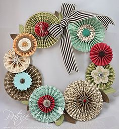 A Wreath from Paper Rosettes Paper Flower Wreaths, Paper Rosettes, Paper Flowers, Hobbies And Crafts, Crafts To Make, Decor Crafts, Diy Crafts, Simple Crafts, Bouquets