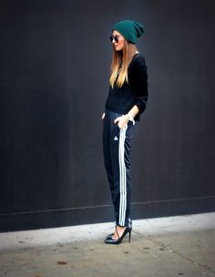 Adidas Pants & Sweater Pieced with Zara Heels and American Apparel Beanie Sporty Outfits, Sporty Style, Stylish Outfits, Cool Outfits, Sport Chic, Teen Fashion Blog, Sport Fashion, Fashion Moda, Vogue Fashion