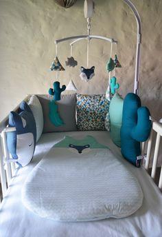 Tour de lit tipi, cactus, renard et plume 'WolF Ki PiK'- Menthe, bleu et blanc : Linge de lit enfants par shanouk