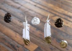 DIY Holiday Mobile http://blog.freepeople.com/2012/11/diy-holiday-mobile/