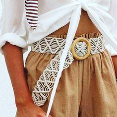 Bohemian Crochet Belt – Try Macrame Wall Hanging Patterns, Macrame Patterns, Braided Top Knots, Crochet Belt, Paracord, Diy Crafts To Do, Bohemian Accessories, Macrame Design, Bracelet Crafts
