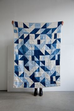 IN LOVE with this hand dyed quilt! Grainline Studio | Indigo Tile Quilt