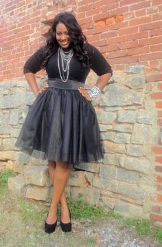 Black Tutu Skirt - Black Tulle ...with a ballet style top to make it look like the skater dress style? Outfits Plus Size, Curvy Outfits, Fashion Outfits, Skirt Fashion, Black Tulle Skirt Outfit, Skirt Outfits, Wedding Dresses Plus Size, Plus Size Dresses, Curvy Girl Fashion