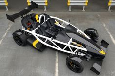 Just in case your car is too slow and conventional, the new #Ariel Atom 3.5: 550kg, power-to-weight ratio of 636bhp per ton, 0-60mph in 2.6sec, 0-100mph sprint in just 6.0secs.