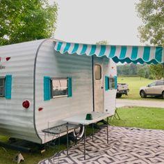 Vintage Camper Custom Made Dinette Cushion Covers Shasta Shasta Camper, Tiny Camper, Small Campers, Camper Life, Vintage Campers Trailers, Camper Trailers, Vintage Motorhome, Retro Campers For Sale, Airstream Vintage