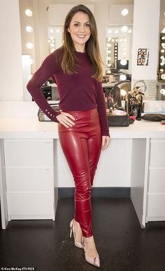 GMB's Laura Tobin wins praise in tight red leather GMB's Laura Tobin wins praise in tight red leather trousers Lady in red! Piers Morgan was sure to point our Laura Tobin& head-turning ensemble on Tuesday during Good Morning Britain - Ladies Leather Trousers, Red Leather Pants, Leather Dresses, Black Leather Skirts, Pantalon Vinyl, Hottest Weather Girls, Leder Outfits, Latex Dress, Leather Fashion