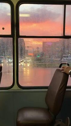 Aesthetic Movies, Aesthetic Videos, Aesthetic Photo, Beautiful Photos Of Nature, Beautiful Places To Travel, Dark Landscape, Cute Love Songs, Nature Gif, Sunset Lover