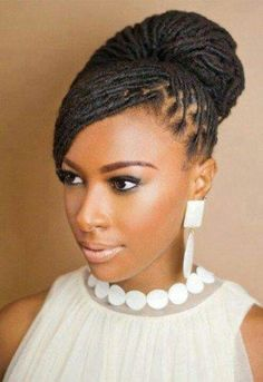 Natural Hair Bride! Options I used before finally deciding on my wedding hair | Weddingbee Photo Gallery