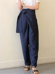 Japan Fashion Casual, Modern Fashion, Casual Sporty Outfits, Casual Pants, Korean Fashion Winter, Asian Fashion, Japanese Pants, Modern Hanbok, Type Of Pants