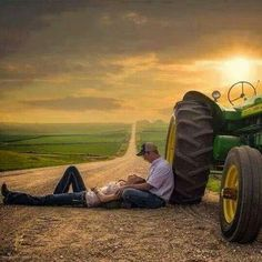 would love to do this as an engagement photo. im a die hard john deere fan! Couple Photography, Engagement Photography, Photography Poses, Wedding Photography, Maternity Photography, Landscape Photography, Shooting Couple, Shooting Photo, Engagement Couple