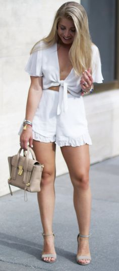 Cute All White Summer Outfit