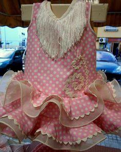 Sorteamos este traje de flamenca!!! Buscad la información del sorteo en nuestro facebook o en el blog.